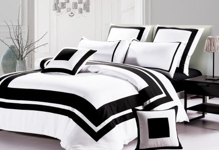 Queen Size Black And White Quilt Cover Set (3pcs)