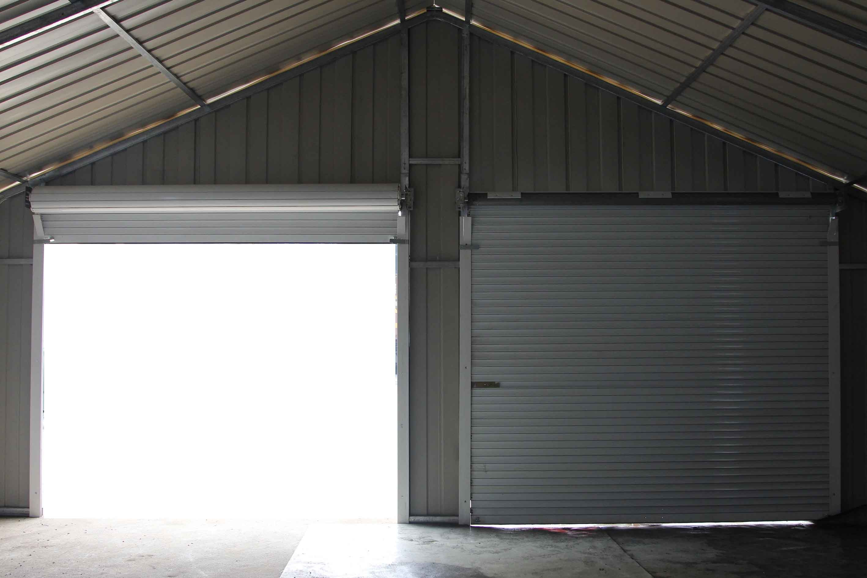 Double Garage 66m X 72m X 37m Widespan Roller Door Workshop Cream